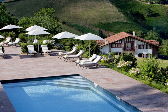 L auberge ostap weva votre magazine de tourisme for Piscine lau balagnas