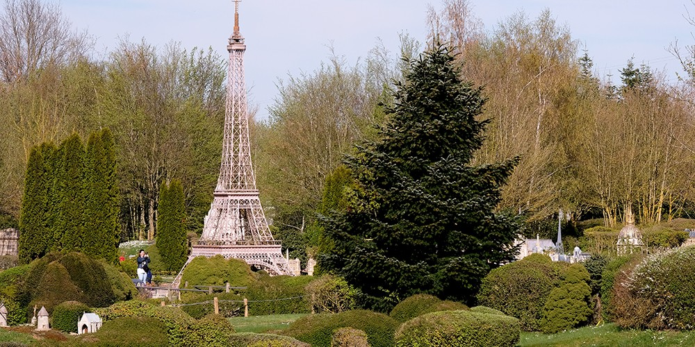 Miniatures monumentales à Elancourt